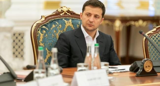 Зеленский срочно созвал СНБО: ЕС обсуждает вопрос отмены безвиза для Украины