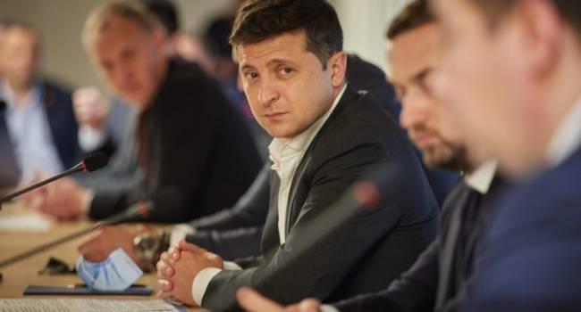 Журналист: Зеленский - это лишь номинальный президент, которого окружили чужие ему группы влияния