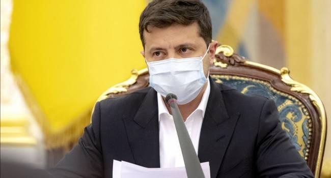 Критики Зеленского недовольны, поскольку он увел у них из-под носа серьезный повод вывести людей на Майдан в защиту безвиза - журналист