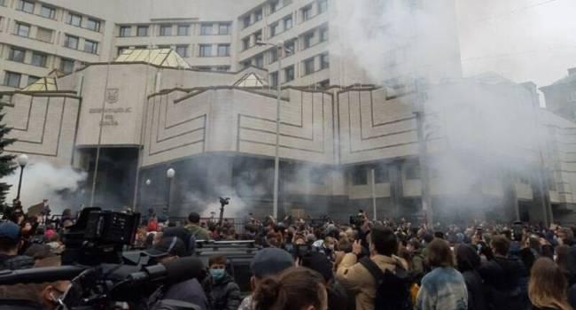 Нардеп: сегодня украинцы оказались перед выбором – авторитарной и демократической Украины