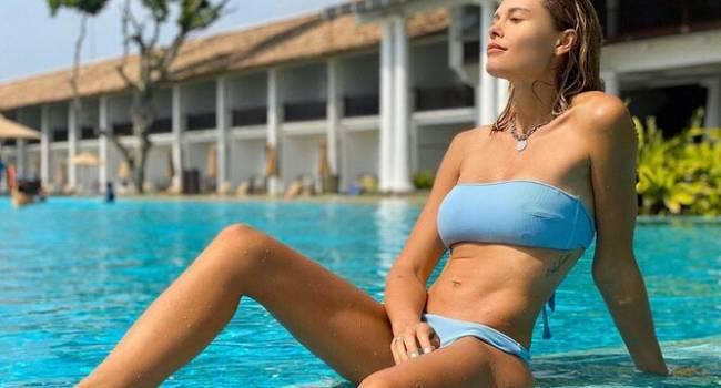 «Очень сексуально»: Мария Горбань поделилась чувственным видео, на котором позирует в купальнике