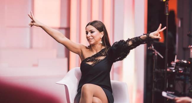 «Боже, а как же мы скучаем по вас в Украине!» Ани Лорак поделилась видео со своего концерта, признавшись, что ей не хватает встреч с поклонниками