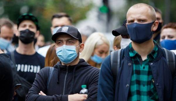 Советник Зеленского не исключает введения в Украине полного локдауна