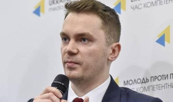 Юрист: Украиной сегодня руководят бесхребетные амебы и просто явные враги украинского государства