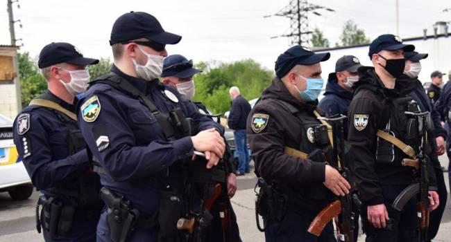 Полиция Украины пока не штрафует граждан за отсутствие маски