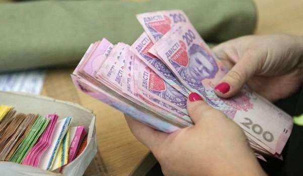 В декабре украинцам пересчитают пенсии: кто может рассчитывать на надбавки