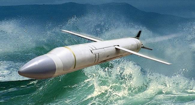 В воды Черного моря входит американский эсминец Donald Cook с крылатыми ракетами на борту, способными нести ядерный заряд