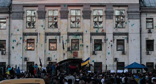 Иванов: сегодня увидели жалкую буффонаду «ОПЗЖ» с проплаченной массовкой и титушками под посольством США