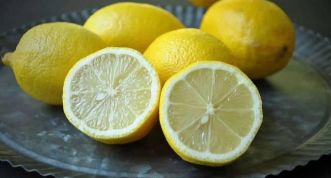«Очень полезно, но…»: Диетолог рассказала, кому нельзя употреблять лимоны