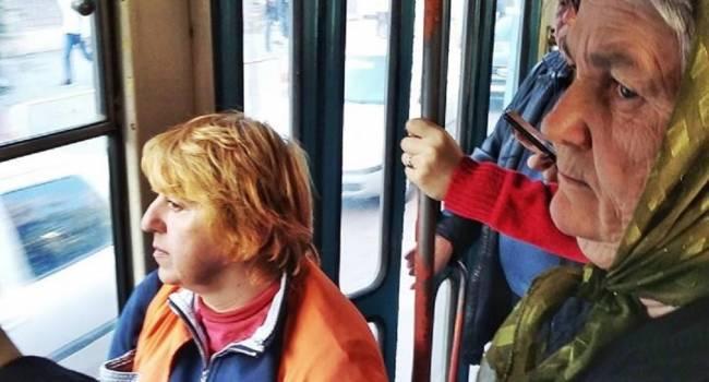 «Вали в Тернополь! На 14 зону поедешь баланду кушать»: «Полицейский» в транспорте Одессы набросился на бабушку за «її українську мову»