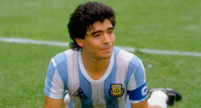 Трехдневный траур в Аргентине: Скончался легендарный футболист Марадона