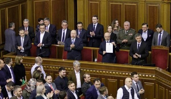 СМИ: в этом году, скорее всего, отставка Кабмина не состоится