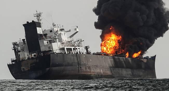 «700 тысяч баррелей нефти»: В Красном море был подорван танкер Agrari типа Aframax