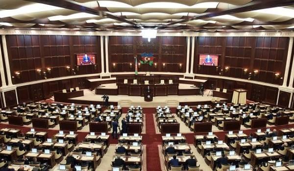 В Азербайджане выступили за исключение Франции из минской группы переговоров по Нагорному Карабаху