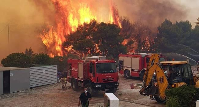 Сильнейший пожар практически полностью уничтожил остров в Австралии