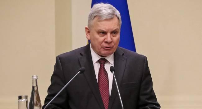 «Человек не справился со своими обязанностями»: В парламенте инициируют отставку Тарана с должности министра обороны