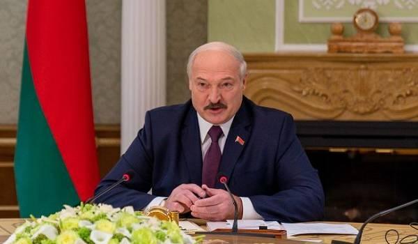Лукашенко заявил, что не хочет быть президентом с новой конституцией