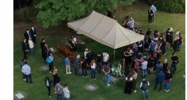 Ни одного фаната не пустили: как проходили похороны Диего Марадоны, - фото