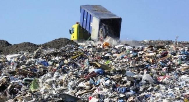 Политолог: теперь Садовый уже не сделает виновным Порошенко в мусорной блокаде, придется идти против Зеленского