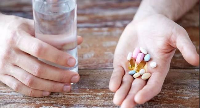 Искусственно это сделать невозможно: медики призвали украинцев прекратить прием витаминов