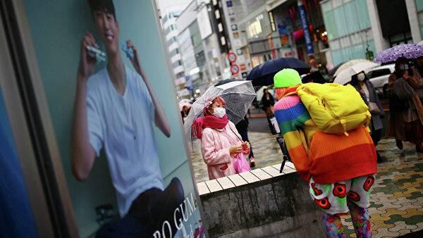 Япония минимум до конца января закрывает границы из-за нового штамма коронавируса