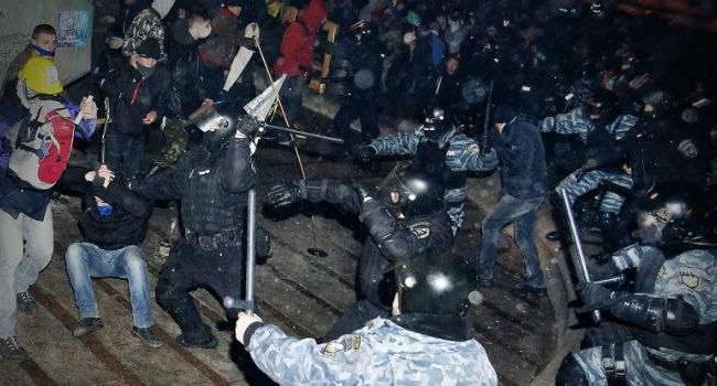 Муждабаев: если вы еще не понимаете разницу между свободными людьми и рабами, тогда сравните Майдан в Украине и протесты в Беларуси