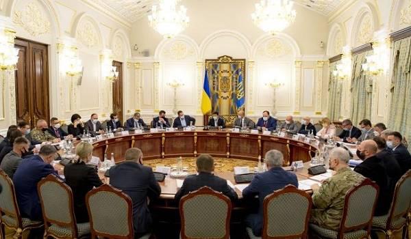 60% украинцев назвали неудовлетворительной борьбу властей с эпидемией коронавируса