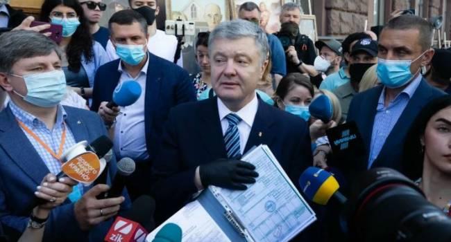 «Жертвовал собой верхом на тракторе»: Портнов рассказал о подвиге военного преступника Порошенко