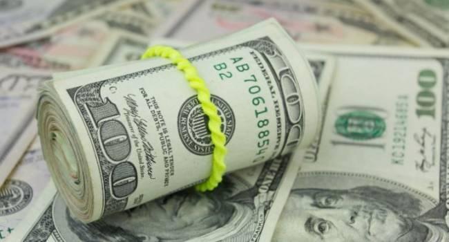 «Это даже более драматично, чем в начале»: американский эксперт заявил о крахе доллара