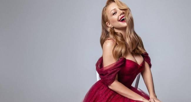 «Какой секс пошёл»: Тина Кароль завела сеть, продемонстрировав голую грудь без бюстгальтера