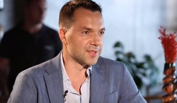 «Москва не выполнила договоренности по Донбассу»: Арестович не исключил усиление антироссийских санкций