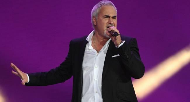 Валерий Меладзе признался, что  из-за пандемии коронавируса на осень 2021 года было перенесено около 60 концертов
