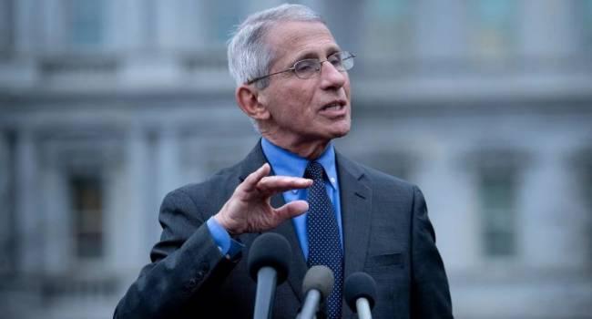 «Обязательно сохранит должность»: Джо Байден наделит Энтони Фаучи дополнительными полномочиями