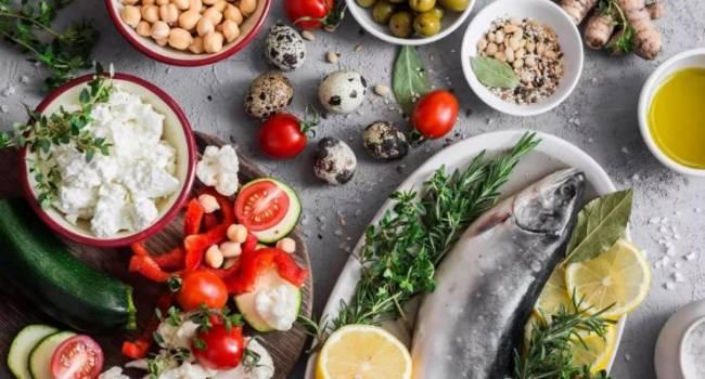 По эффективности для здоровья и для похудения - идеальные: эксперты назвали лучшие диеты уходящего года
