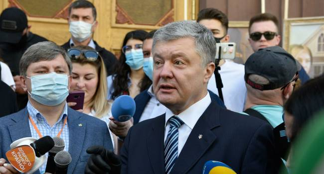 «Притворился украинским Путиным»: политолог объяснил, почему Порошенко выбрал для себя неожиданное амплуа