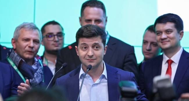 Во втором туре президентских выборов могут встретиться Зеленский и Разумков