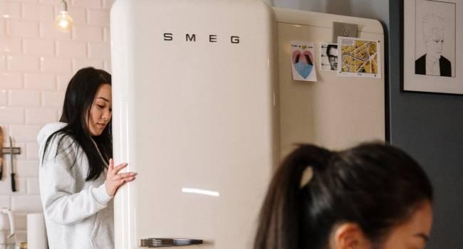 Современный холодильник, который можно синхронизировать со смартфоном