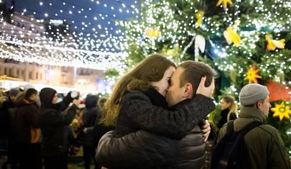 Нужно брать пример с Европы: украинцам указали на опасность массовых мероприятий на Новый год
