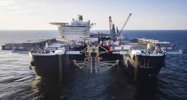 «Проект «накрылся медным тазом»: Баржа, которая укладывала трубы «Северного потока - 2» прекратила строительство и вернулась в порт