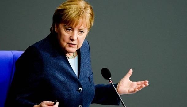 Меркель лишилась статуса самого популярного политика в Германии