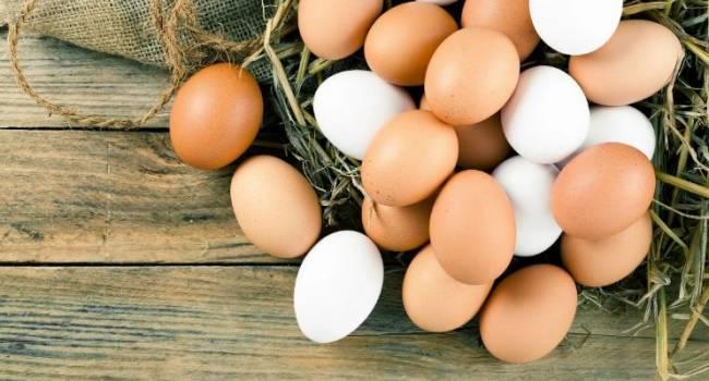 Оливье нынче будет не из дешевых: в Украине взлетели цены на яйца
