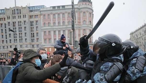 «Решительно осуждаем»: в МИД Украины прокомментировали массовые задержания на митингах в РФ
