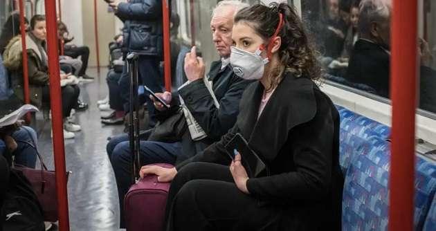 Ноу-хау Франции в борьбе с пандемией: граждан просят не разговаривать в общественном транспорте