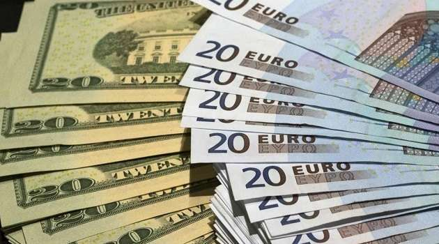 В Украине третий день подряд наблюдается снижение курса доллара