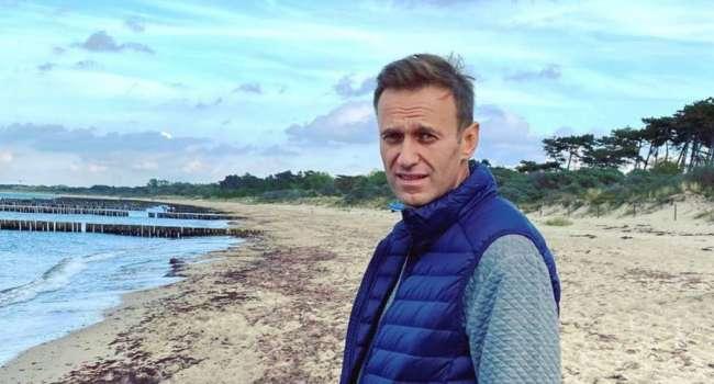 «Путин, отдавший приказ о моём убийстве, верещит на весь свой бункер и велит своим слугам сделать всё, чтобы я не вернулся»: Навальный сообщил о своем возвращении в РФ