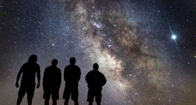 «Гигантское небесное тело»:  В сеть попали факты существование таинственной планеты Нибиру