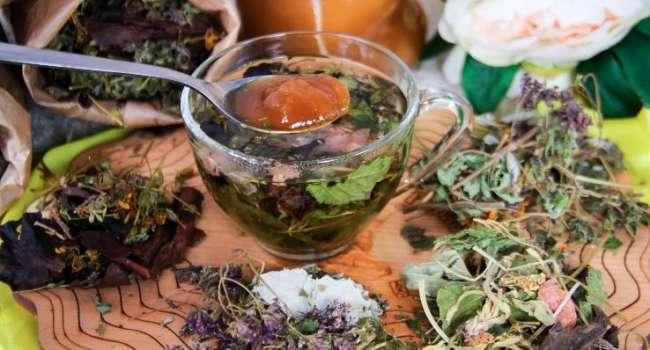 Идеальны для укрепления здоровья: медик назвала самые полезные напитки в зимние месяцы