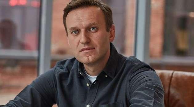 В аэропорт Внуково, куда ожидается прибытие Навального, стянули автозаки