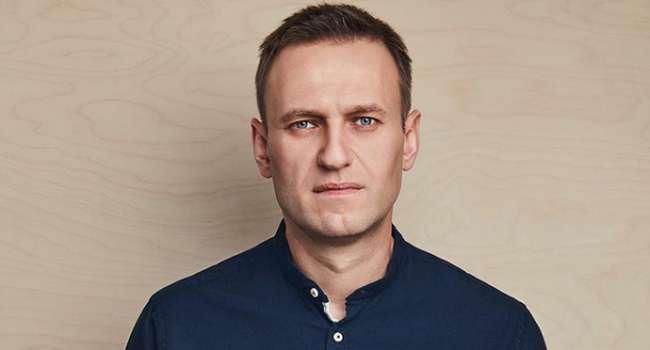 Навальный возвращается с Берлина в Москву – его провожают, как в последний пусть