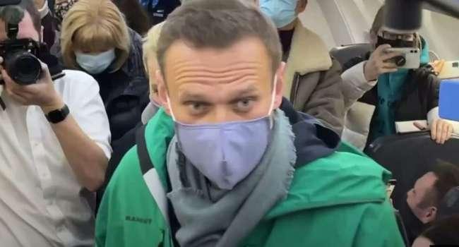 Журналист: прямо в аэропорту Навального «взяли» путинские «вертухаи» – это все, что следует знать о кремлевской хунте